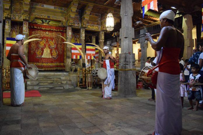 Sri Lanka Kandy drummers