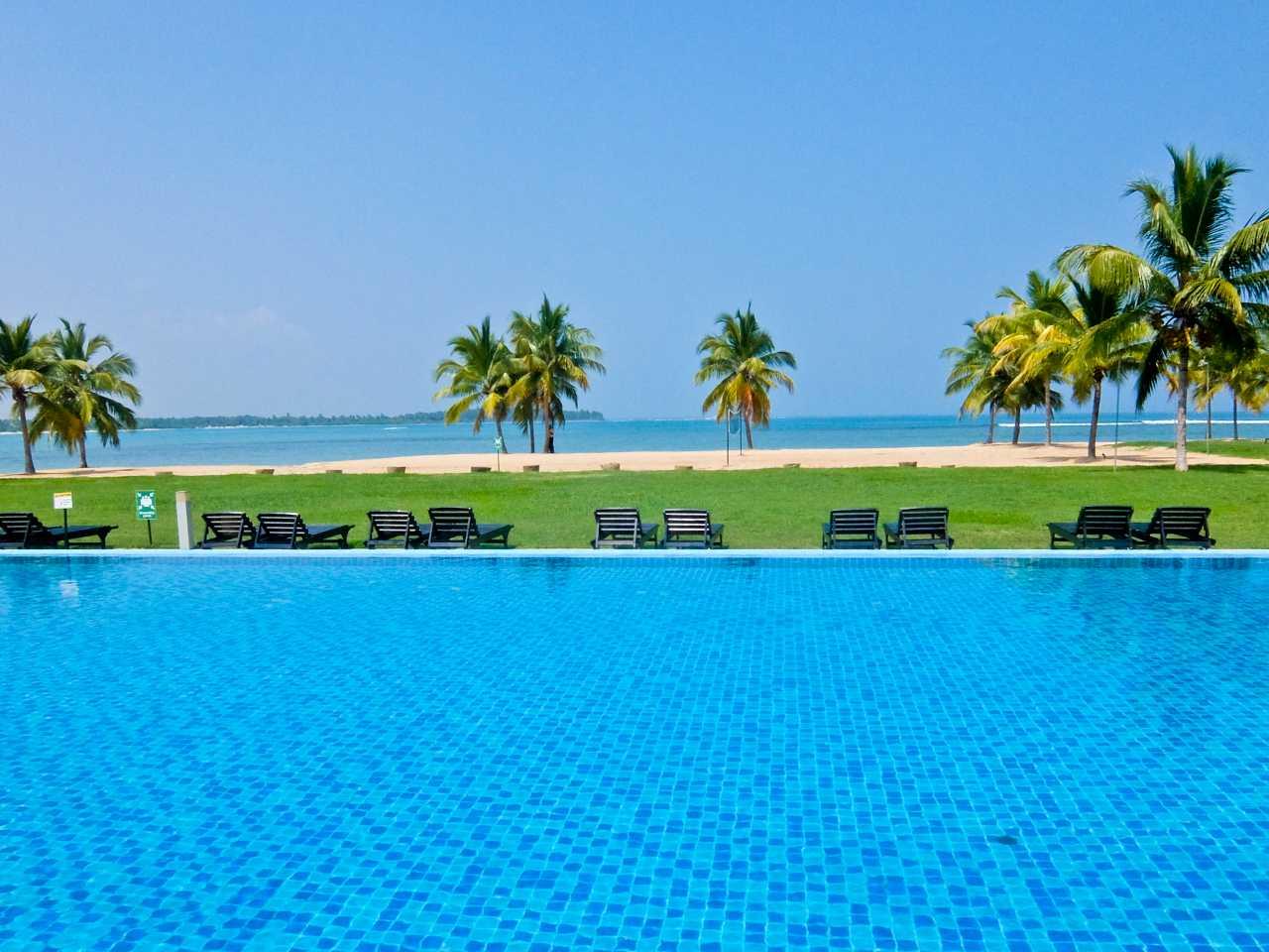 Sri Lanka road trip - Amaya Beach Passikudah