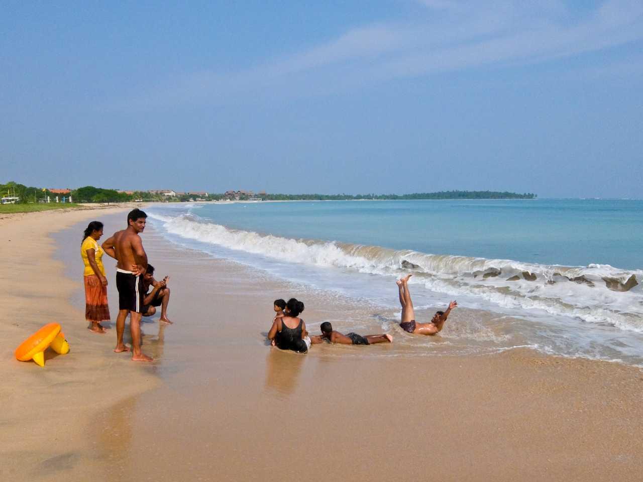 Sri Lanka road trip - Passikudah Beach