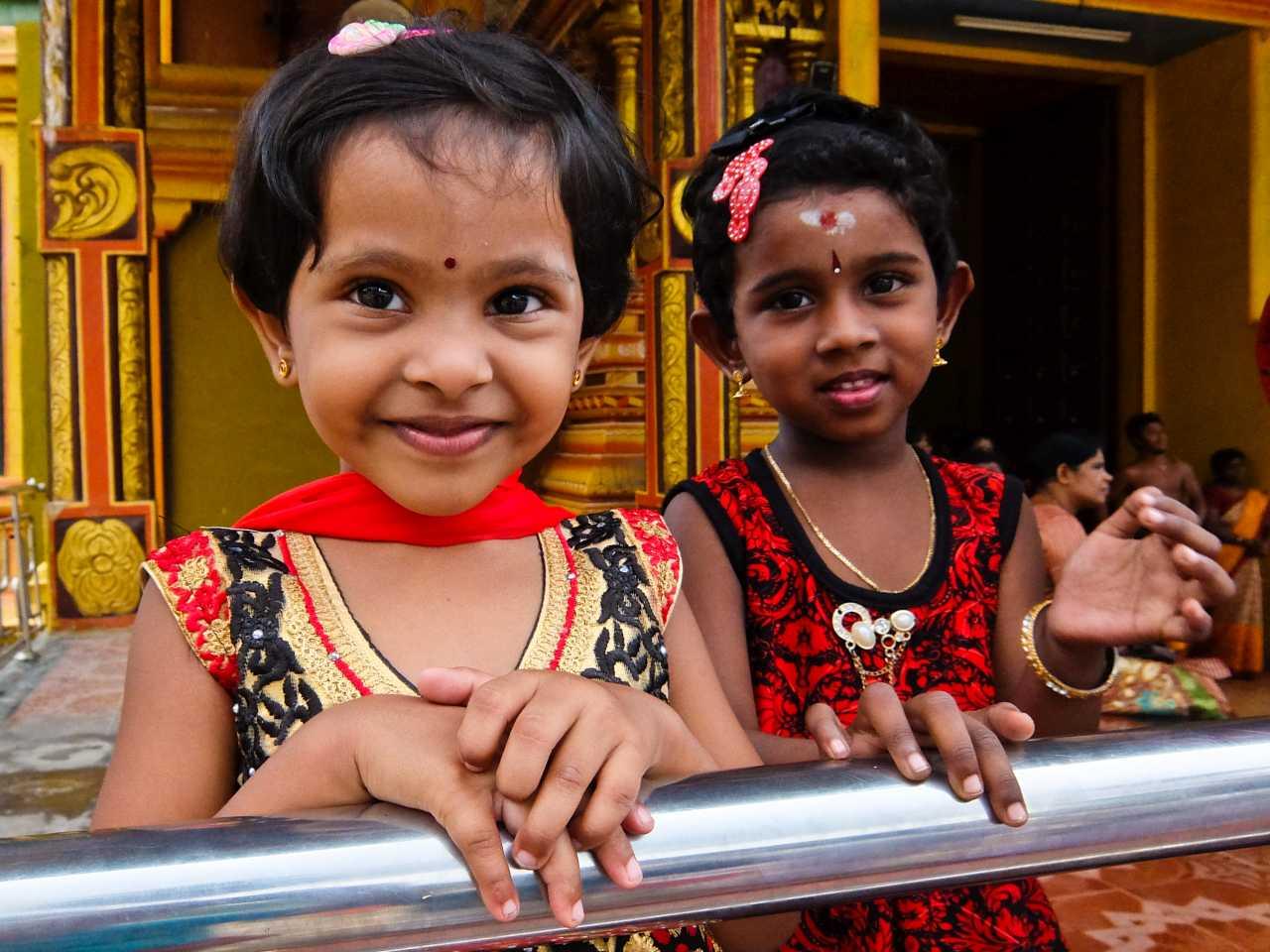 Sri Lanka road trip - Sri Lanka Girls