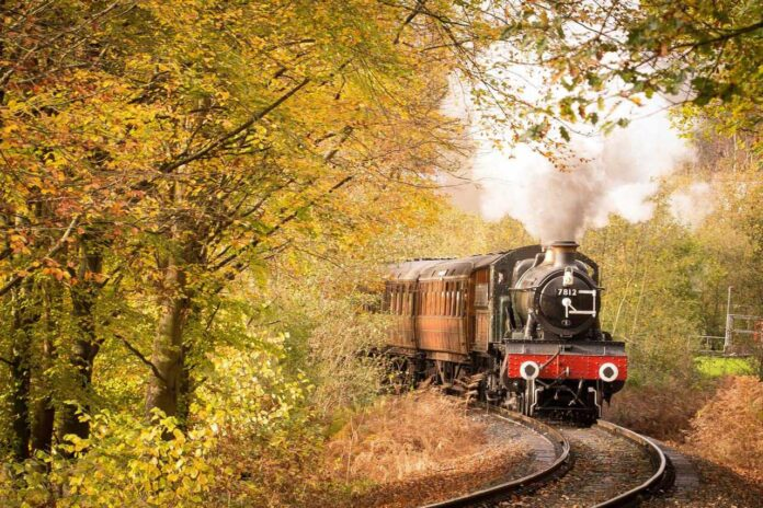 The Lappa Valley steam train departing from Newquay