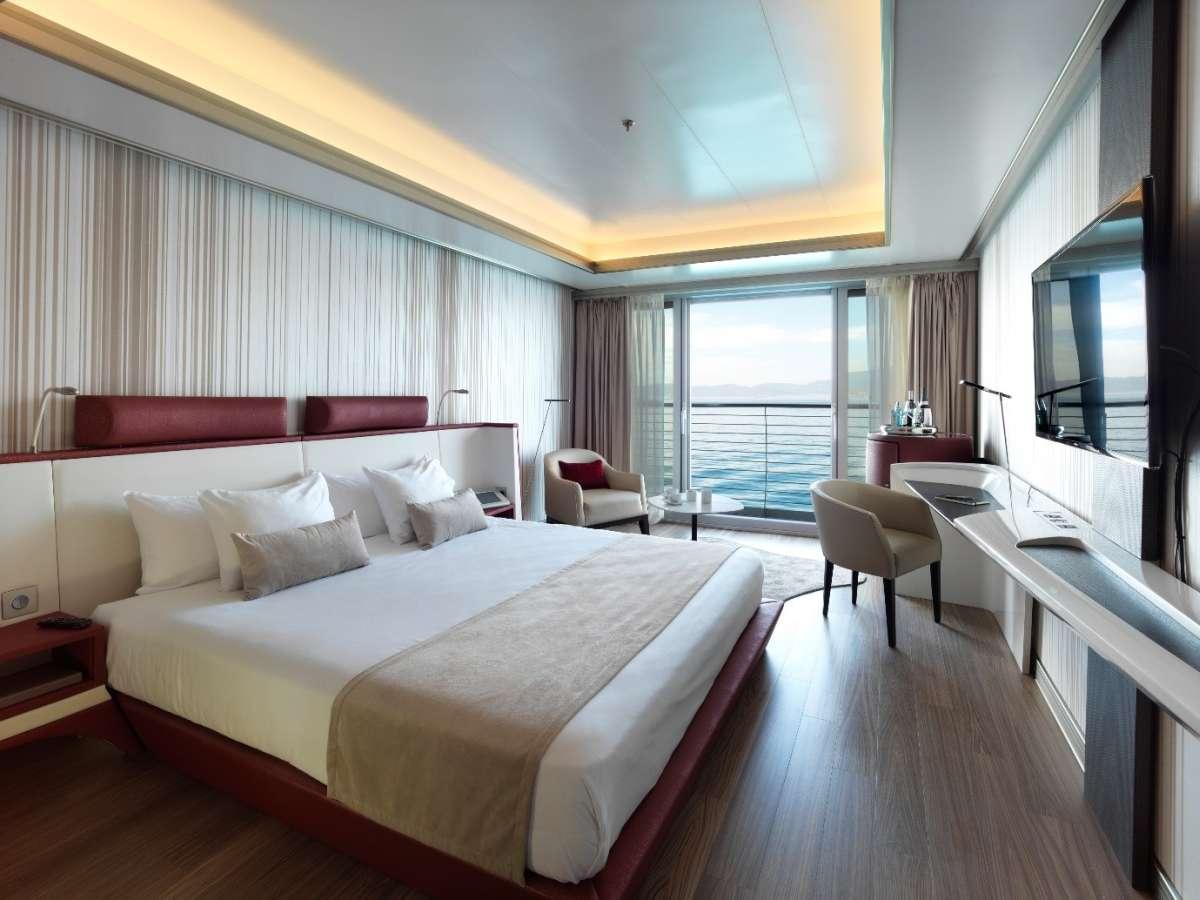 Sunborn Yacht Hotel - accommodation