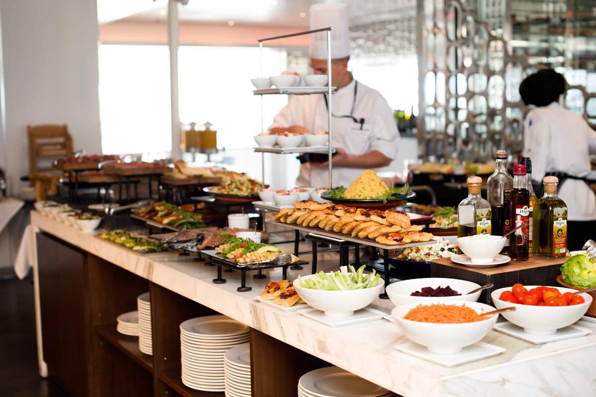 Sunborn Yacht Hotel - food