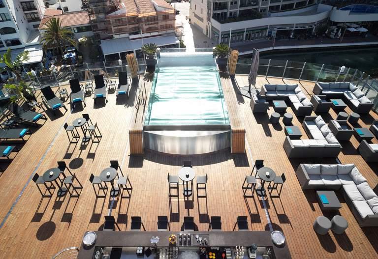 Sunborn Yacht Hotel - sundeck