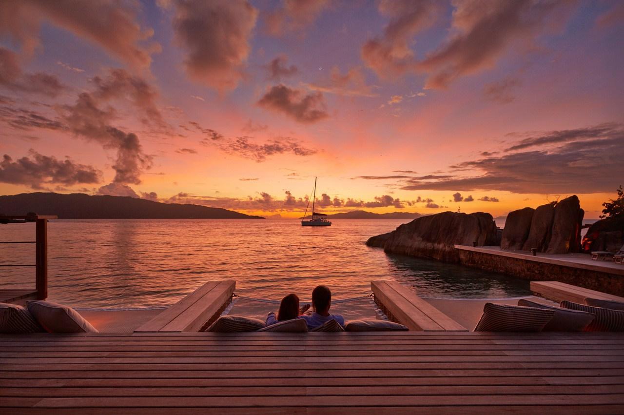Sunset from Koko Bar, Six Senses_Zil Pasyon_Ker & Downey Africa