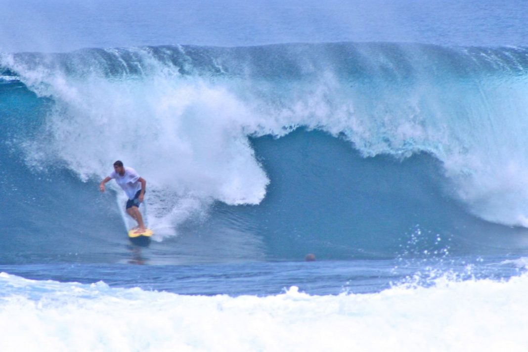 Surfing Cloud 9, Siargao Island Philippines