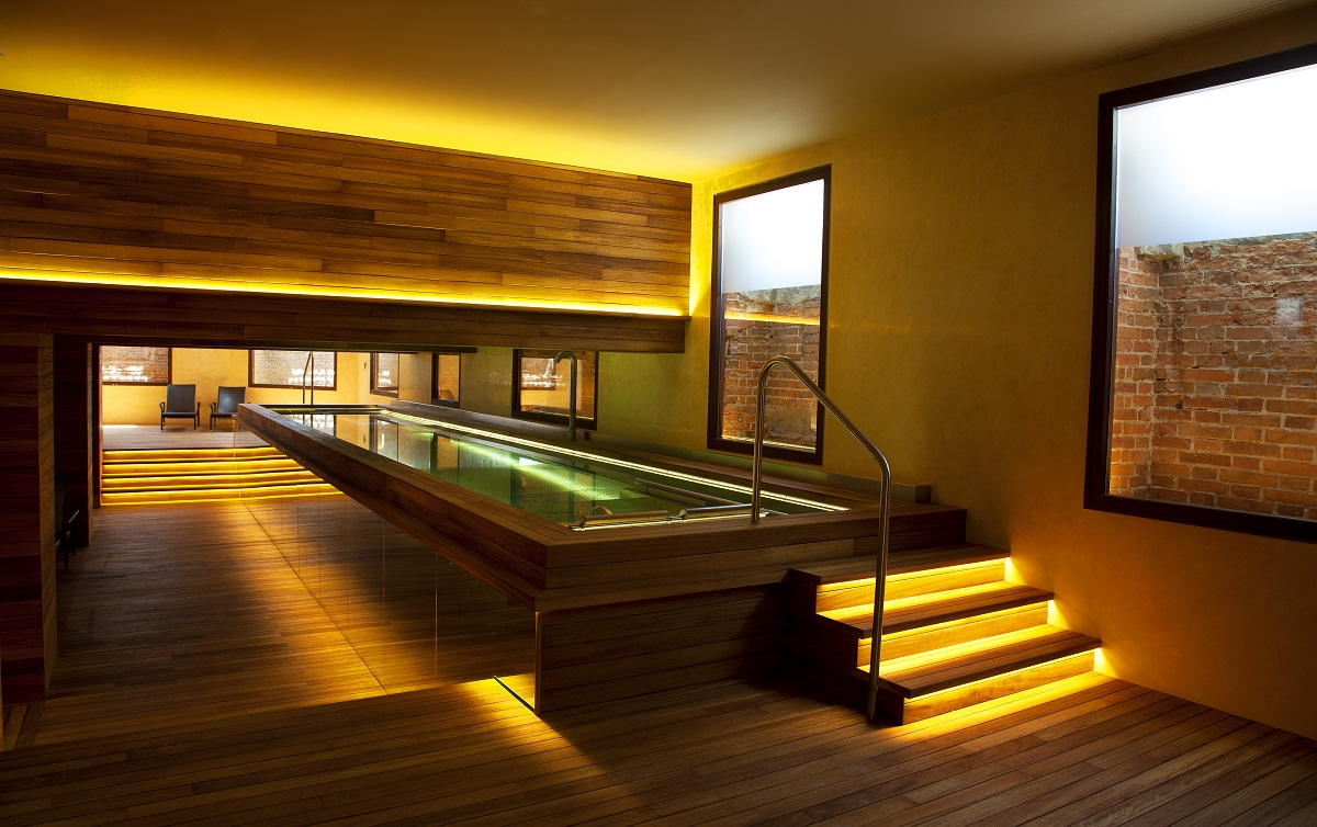 Hydrotherapy massage pool Urso Hotel & Spa