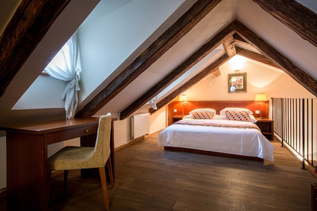 The Nicholas Hotel Room 9