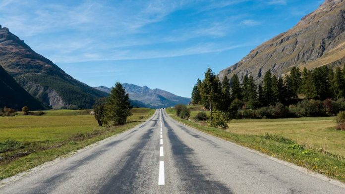 TomTom Road Trips: Great Alpine Road, France