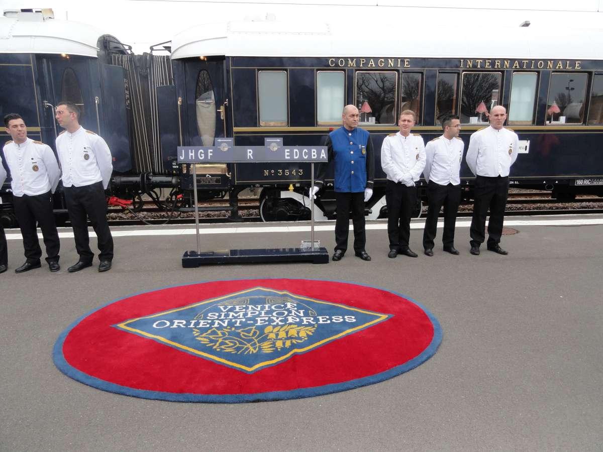Venice Simplon-Orient-Express - staff greeting passengers