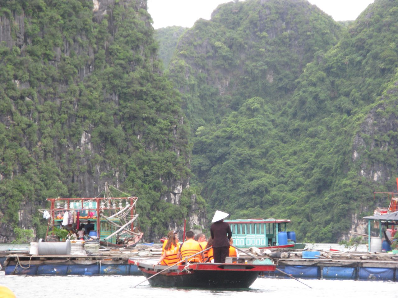 Vietnam - Halong Bay - fishing village