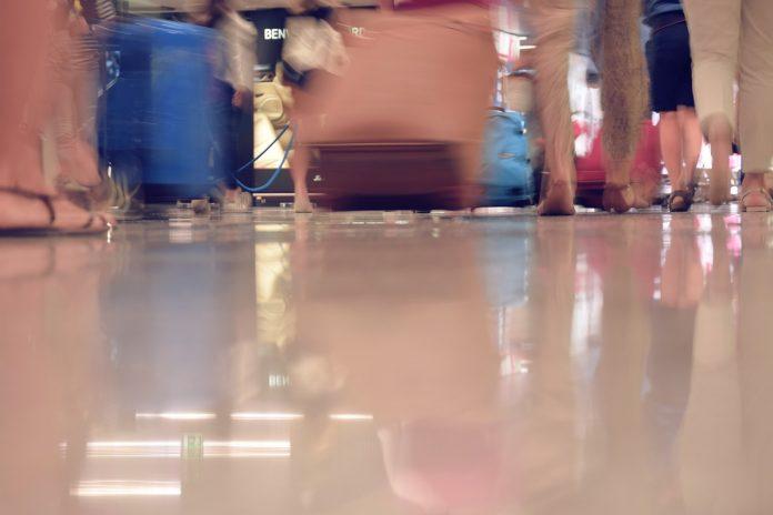 airport people walking
