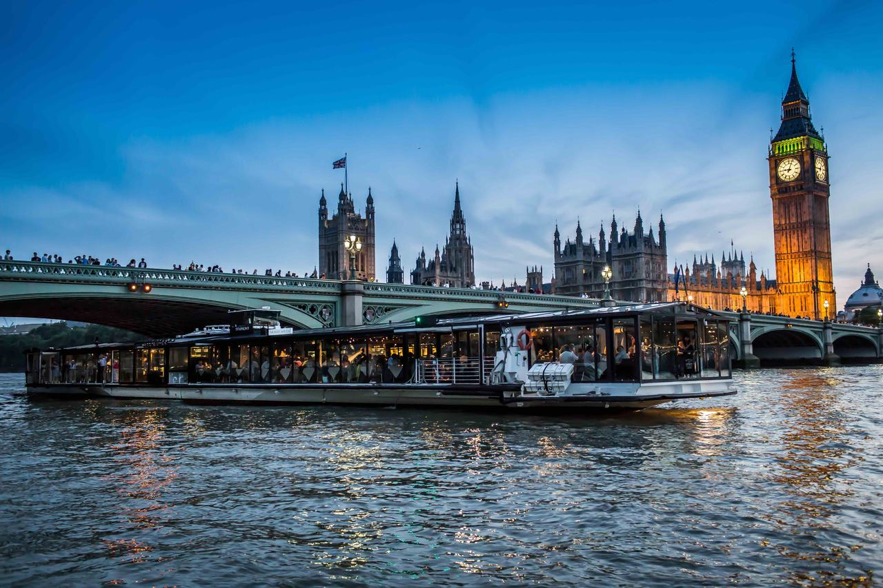 Bateaux experience on London's Thames