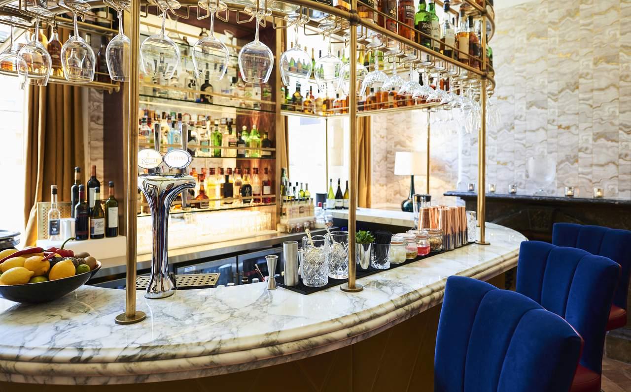 bristol-harbour-hotel-gold-bar2