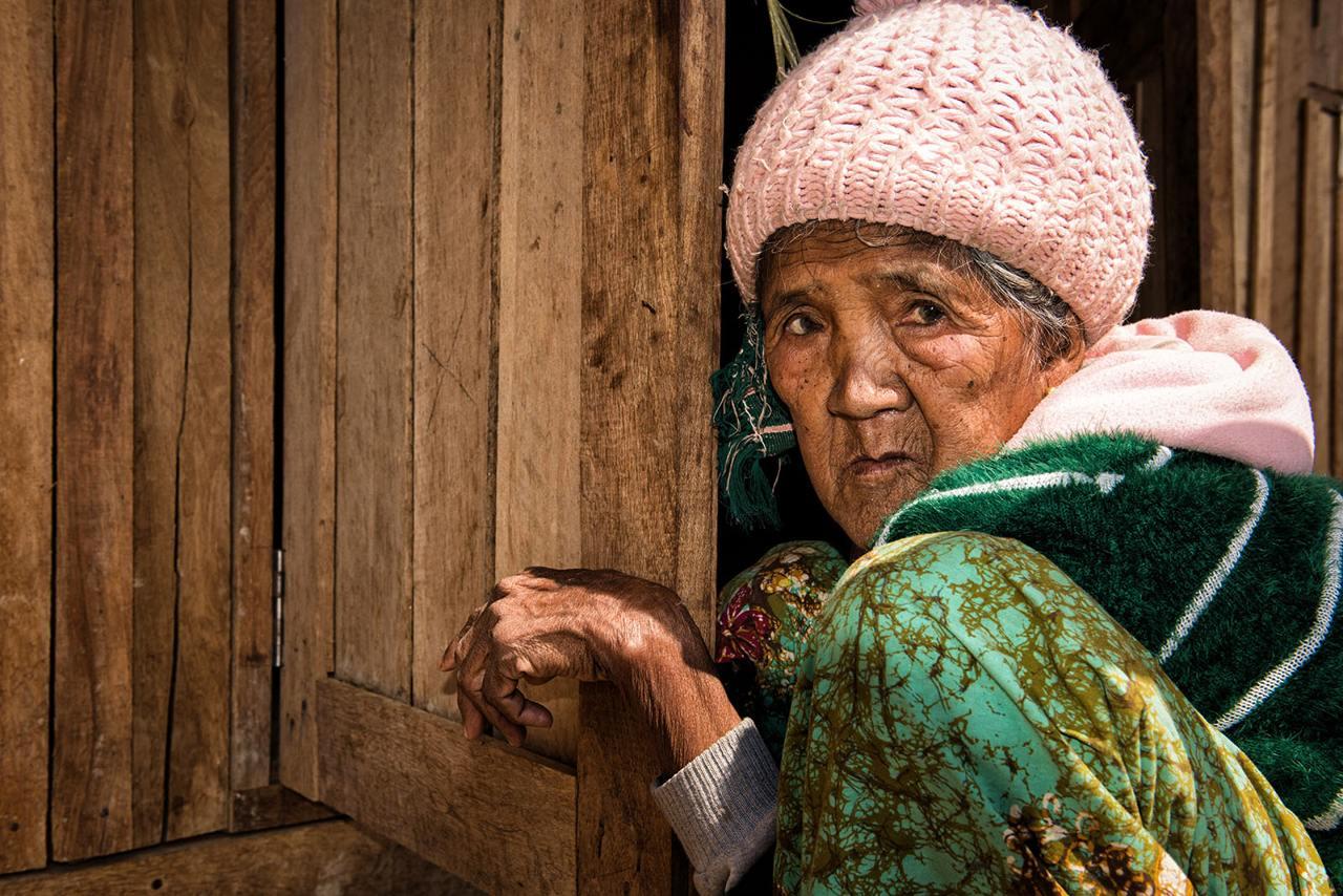 Myanmar - old woman