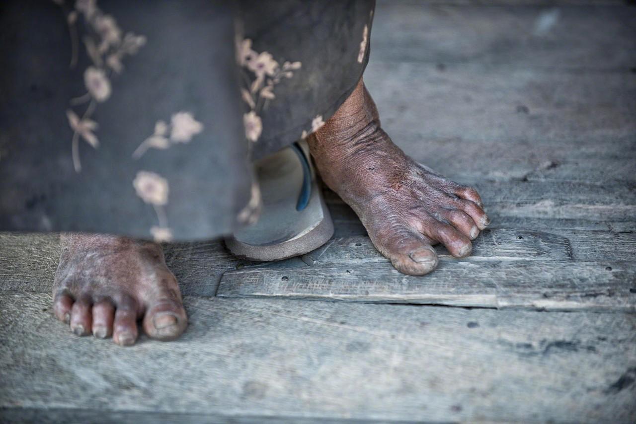 Myanmar - dirty feet