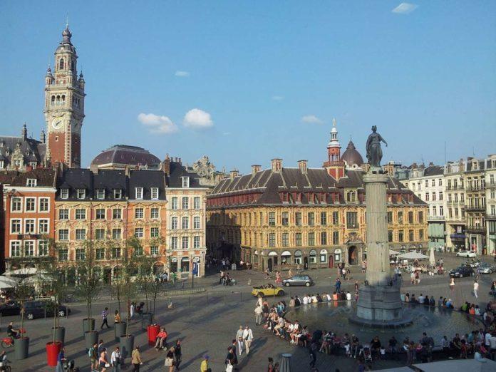 Place du Général-de-Gaulle (Grand′Place) in Lille, France