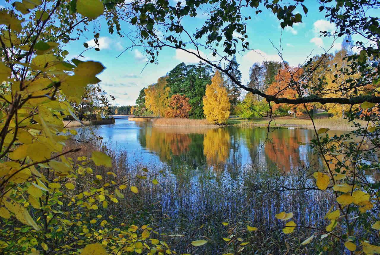 Helsinki park in Autumn