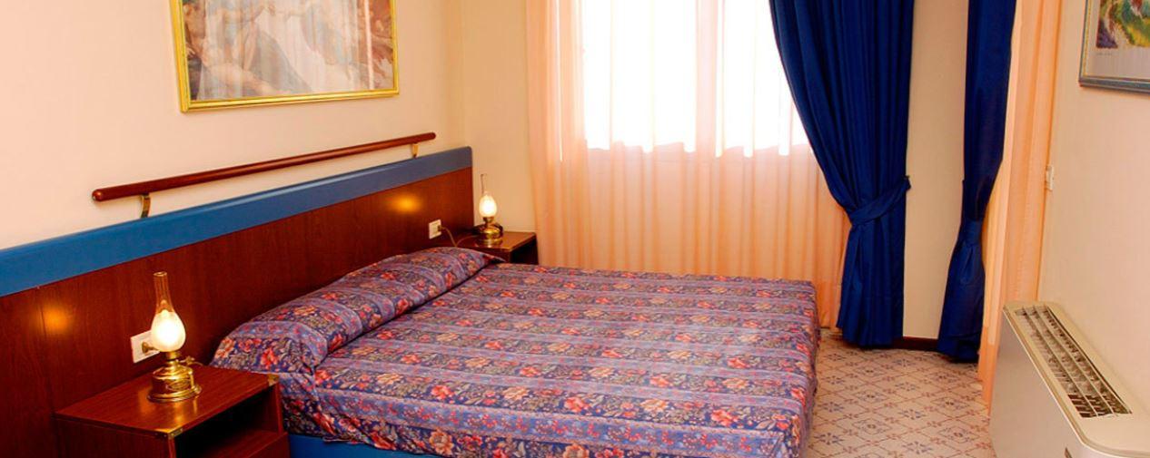 Holiday ApartHotel: room