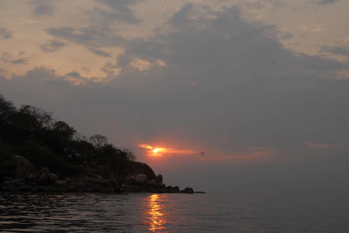 Lake Malawi: sunset