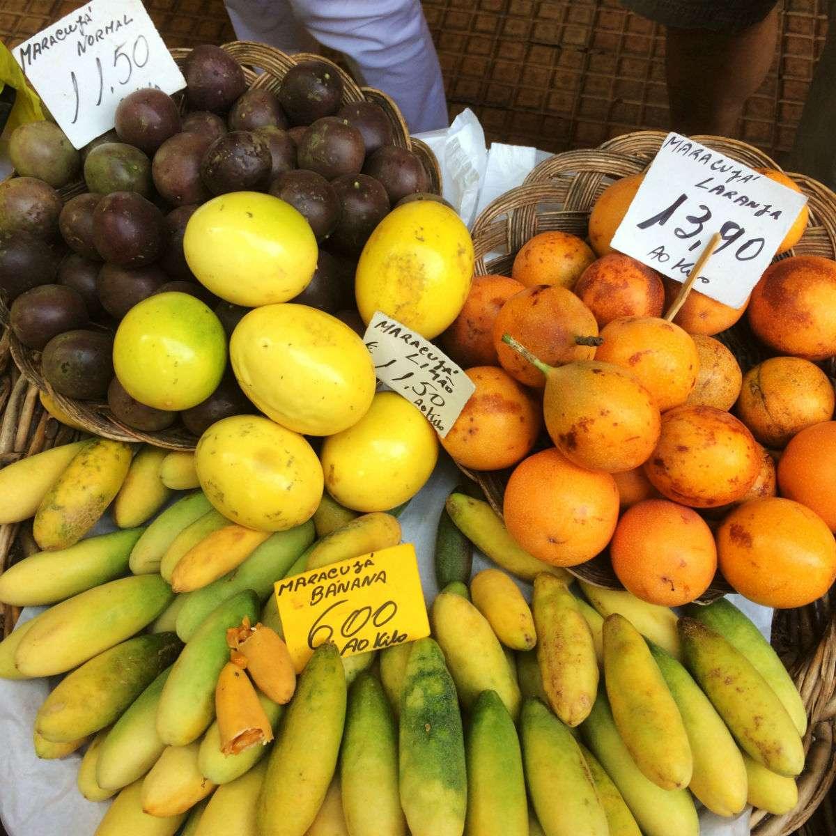 Market in Funchal, Madeira: passion fruit variaties