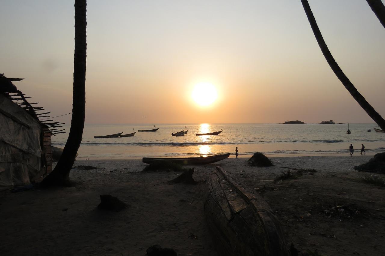 Tokeh fishing boats, Freetown at sunset c Ian Pakham