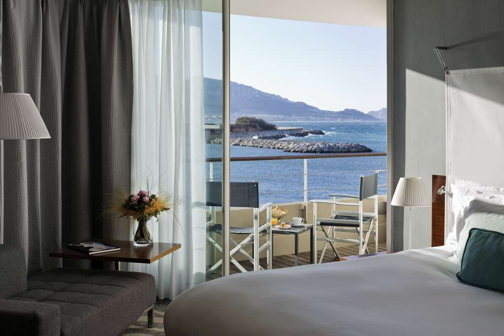 Pullman Marseille Palm Beach: De Luxe room with sea view