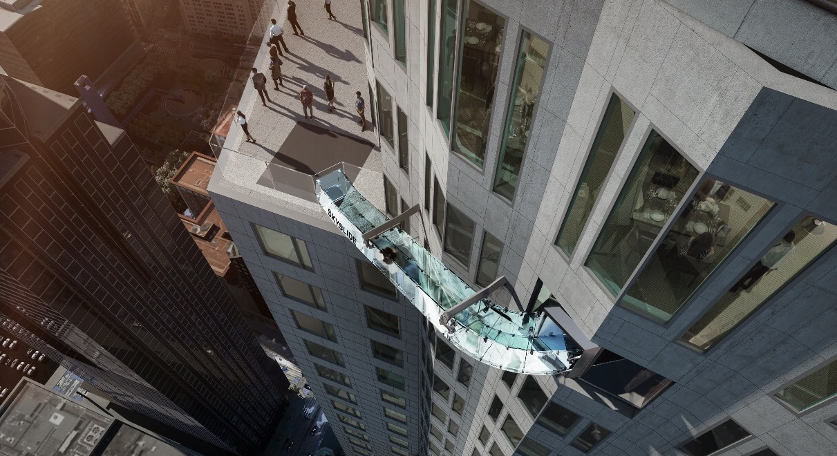 Skyspace LA boasts a thrill experience unlike any other – Skyslide – an outdoor glass slide, positioned 1,000 feet above downtown Los Angeles.