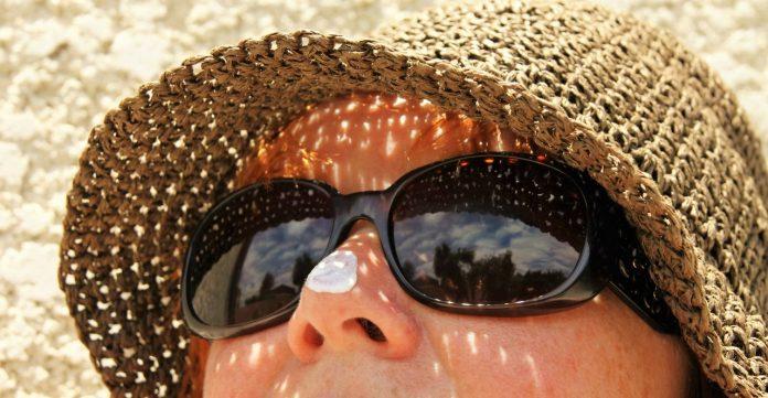 sunblock suncream sunglasses hat
