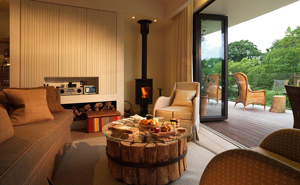 Chewton Glen treehouse lounge