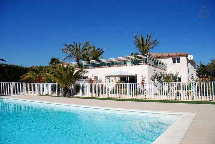 Villa Verde - apartment is adjecent to the pool