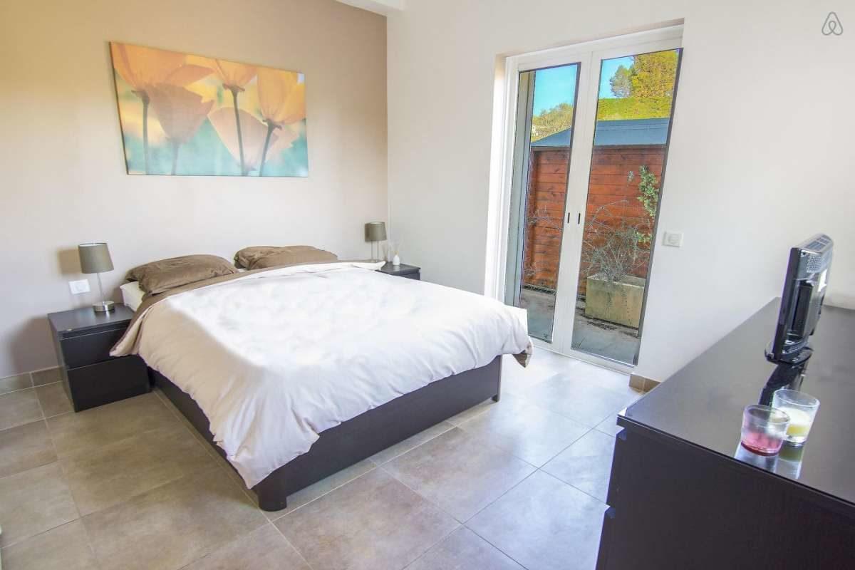 Villa Verde - master bedroom